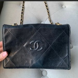 Chanel black caviar purse